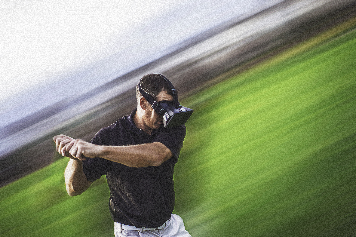 iStock-599956568 man VR golf.jpg