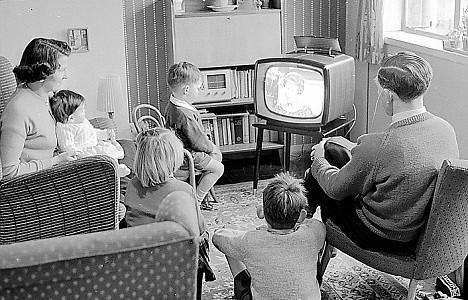 family-watching-tv-468x300.jpg